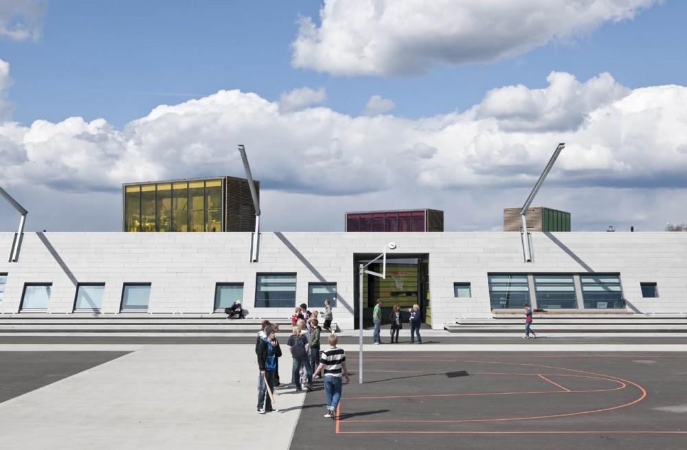 1304003443-gjerdrum17-1000x655 Kiến trúc cảnh quan trường trung học Gjerdrum - Na Uy