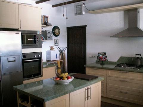 bai-tri-nha-bep-3 Bài trí cho không gian bếp đẹp
