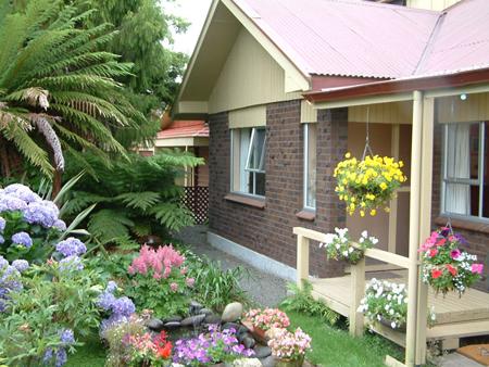khong-gian-san-vuon-2 Tạo cảnh quan cho sân vườn nhà bạn