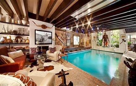 anh3 Sang trọng với bể bơi trong phòng khách