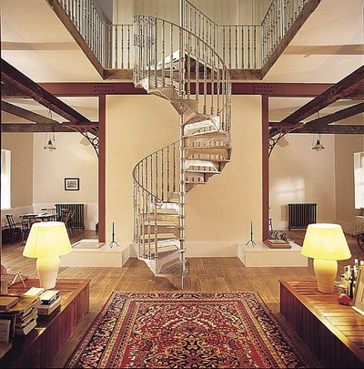 cau-thang-cho-nha-dien-tich-chat-2 Cầu thang nào tiện ích cho nhà chật?
