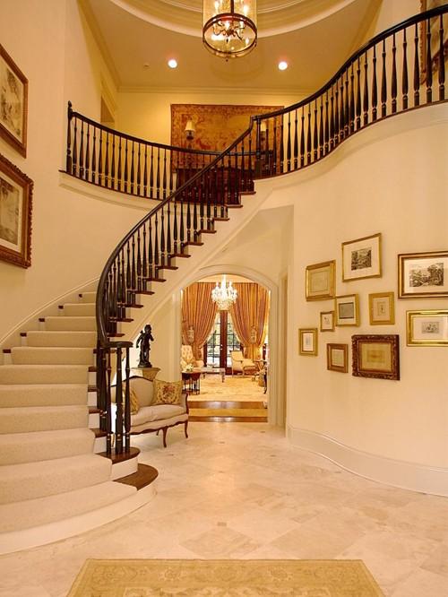 Thiết kế cầu thang hợp với khuôn nhà và hợp phong thủy