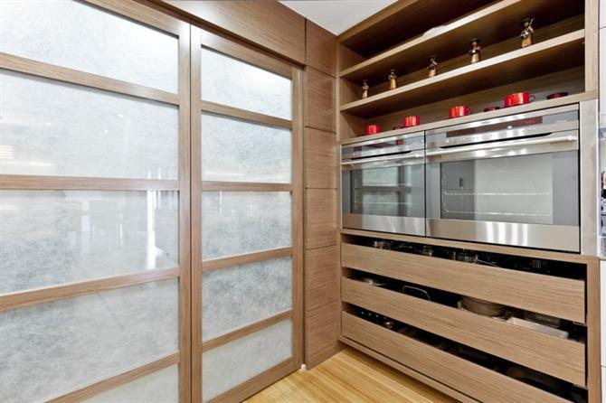 can-bep-hoan-hao-voi-phong-cach-nhat12 Căn bếp hiện đại với sự kết hợp Đông Tây