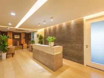 Văn phòng đẹp với thiết kế quầy cafe sang trọng đi kèm