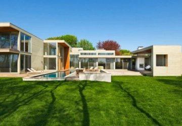 Nhà hiện đại với quang cảnh đồng cỏ tuyệt đẹp