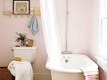Sắc hồng lãng mạn cho phòng tắm mùa hè